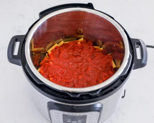 sauce on top of noodles in instant pot