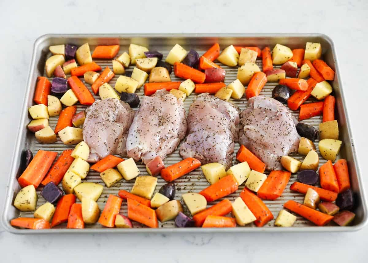 sheet pan chicken thighs ingredients