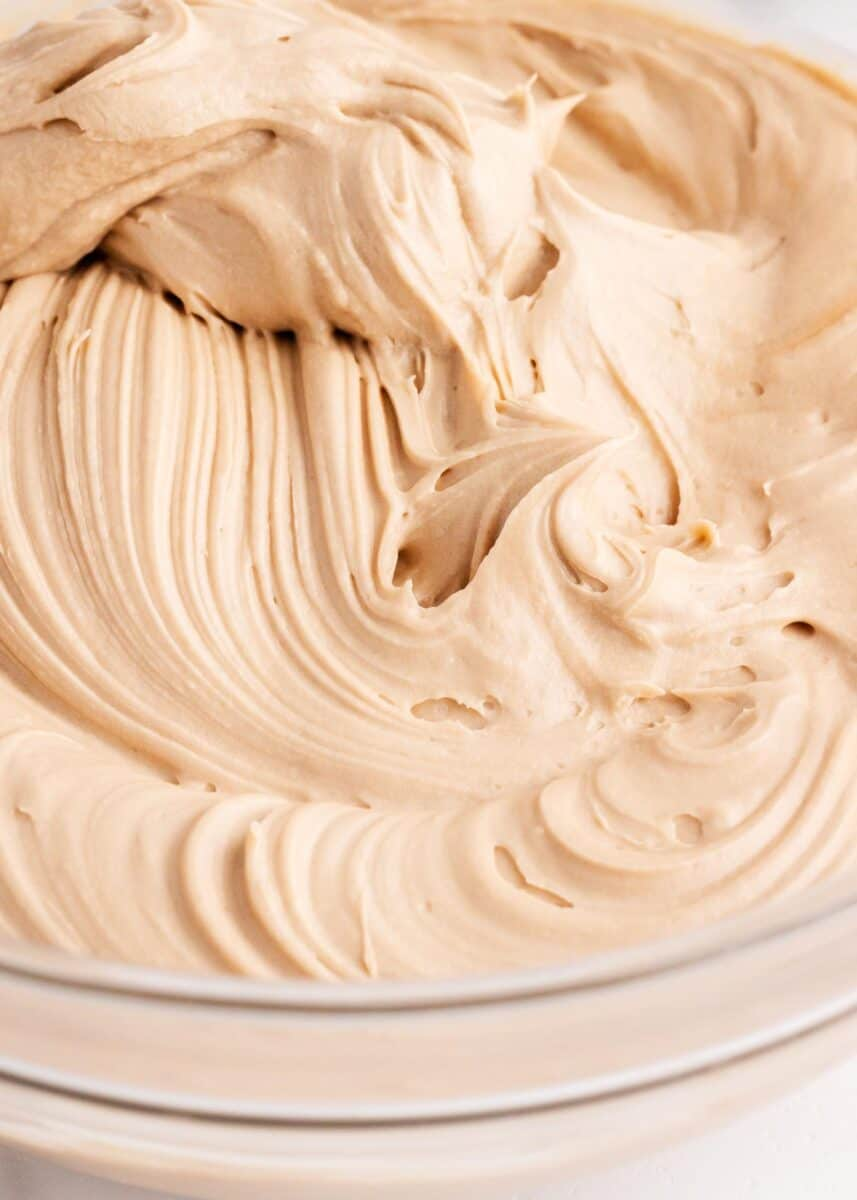 maple cream cheese frosting in bowl